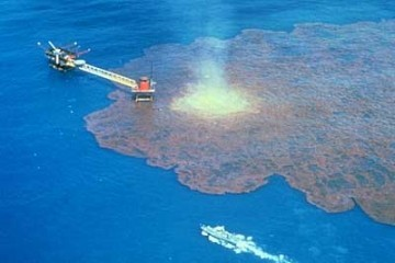 Figure 1 – Oil spilling into the ocean after the leak.  The contamination of the water has many negative impacts for the species that depend on the clean water to survive.