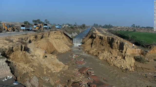 Figure 1. One of the damaged areas on Mulak Canal by the week-long protests of the Jat caste for more accessibility to civil service careers.